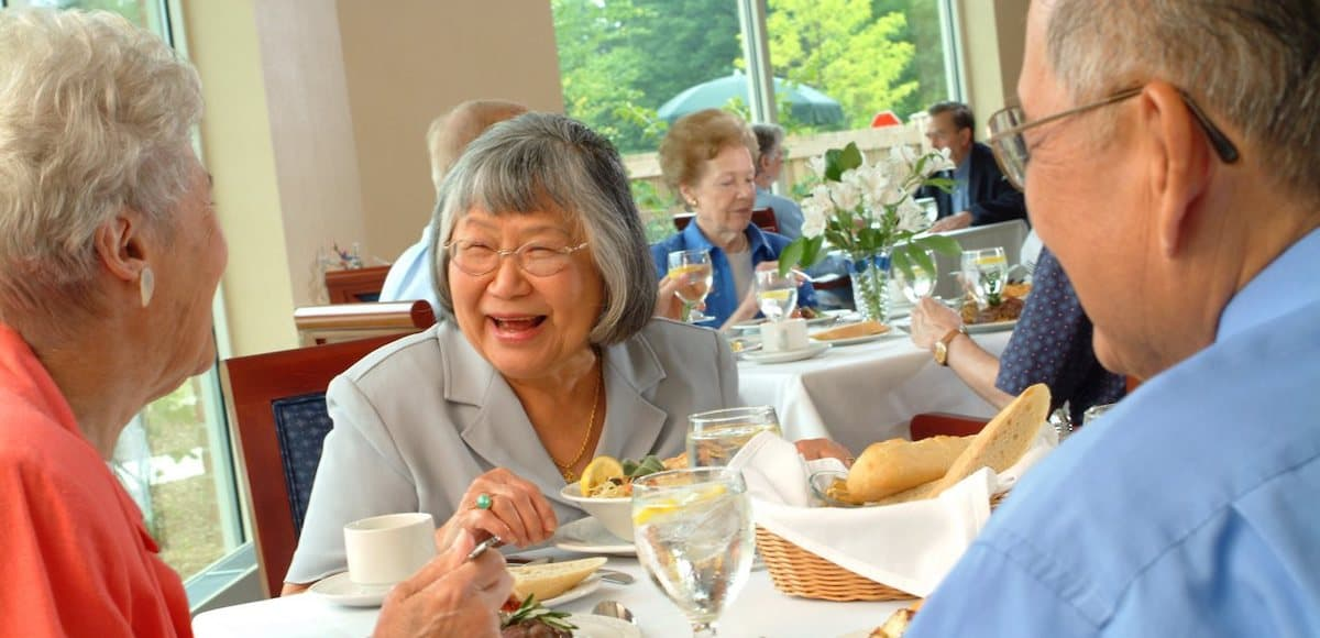 residents dining