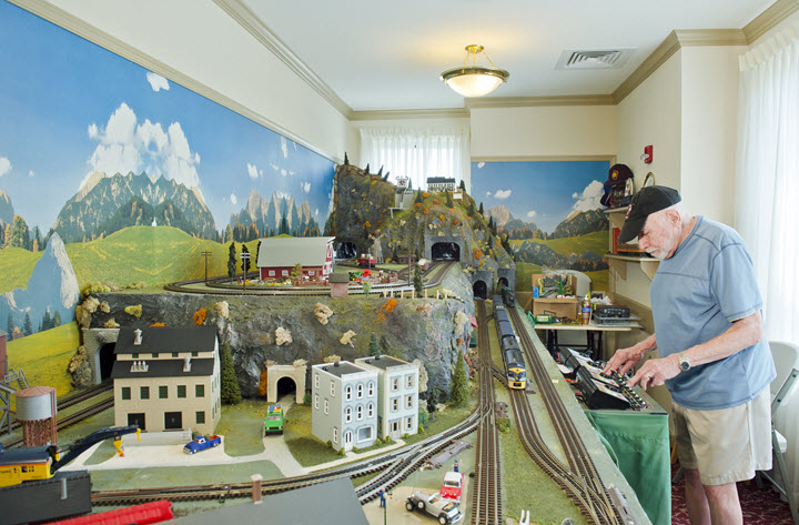Bethany Village model train club