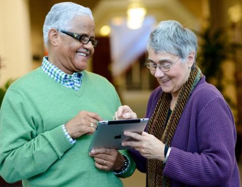 seniors using ipad