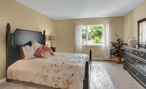 senior living bedroom