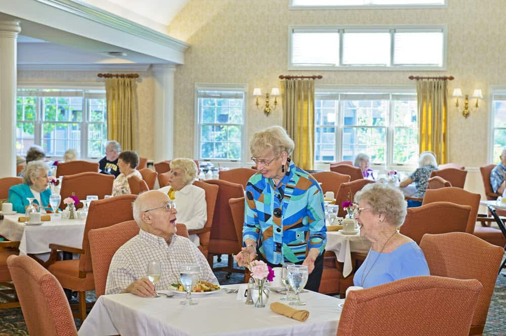 senior living dining
