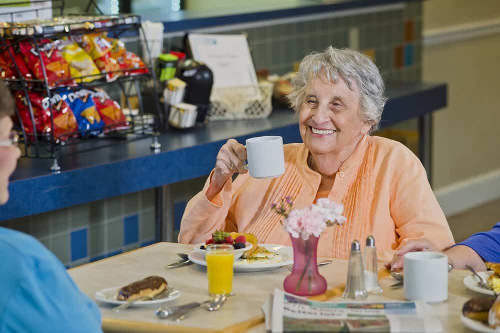 senior living breakfast