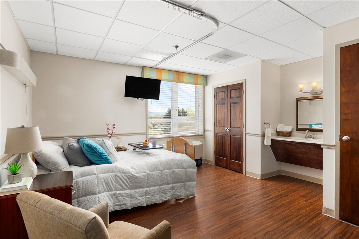 semi-private skilled nursing suite in Asbury Place Maryville