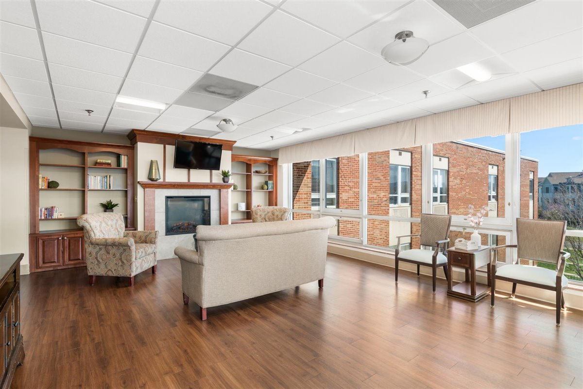 living room in the skilled nursing facility at Asbury Place Maryville