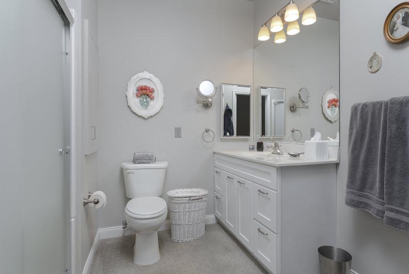 senior living apartment bath at Asbury RiverWoods
