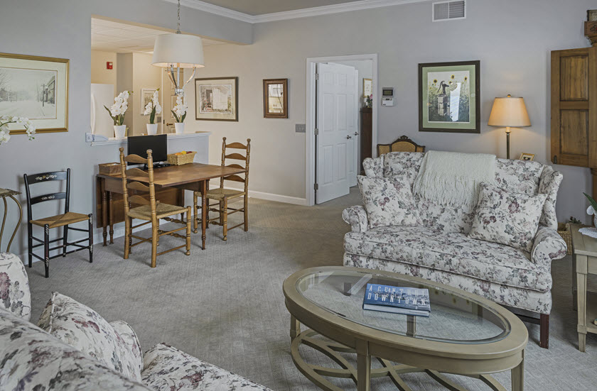 living and dining area of riverwoods apartments